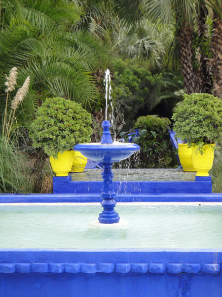 blue-fountains-in-jardin-majorelle
