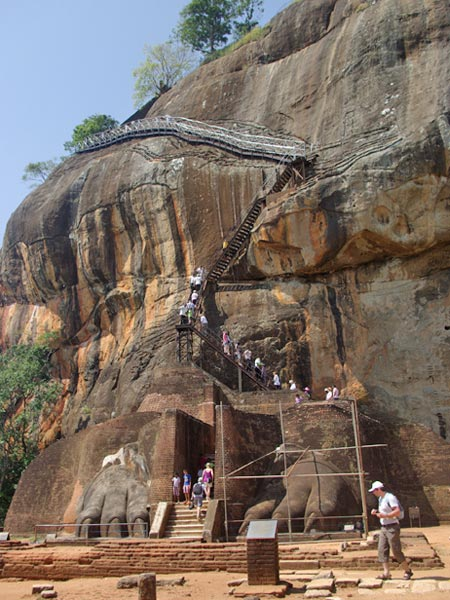 The famous lion paws at Sigiriya in Sri Lanka