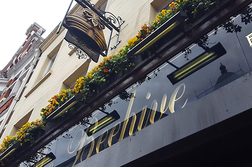 A pub called The Beehive. Perfect place for a drink on the letter 'B' of Alphabet Dating. Entirely accidental.