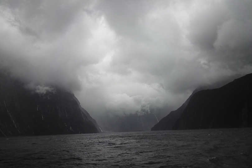 What the travel guides DON'T show you about Milford Sound